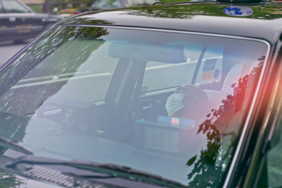 Спящие японские таксисты в фотосерии Уильяма Грина