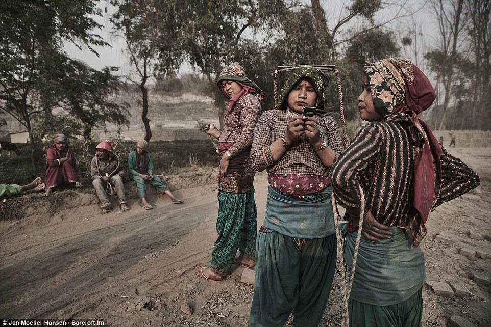 Детский труд на производстве кирпича в Непале