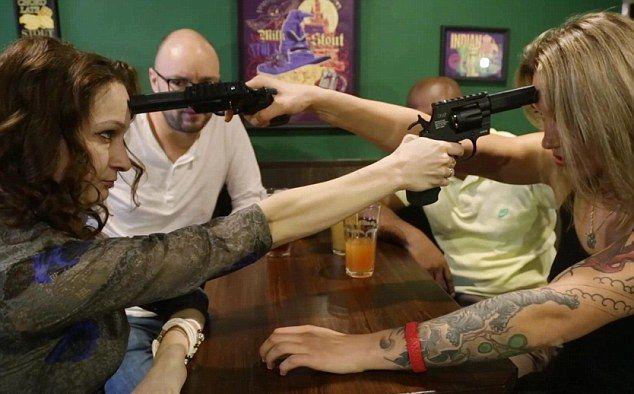 Новая забава американских хипстеров - русская рулетка с шокерами