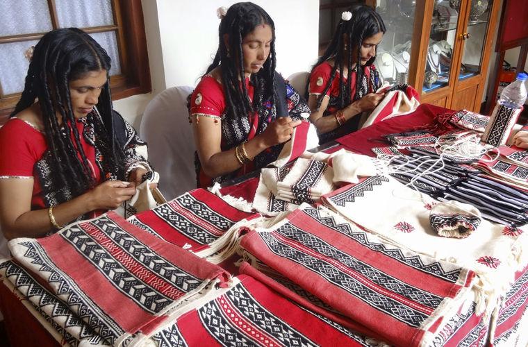 Женщины из племени тода, где царит матриархат