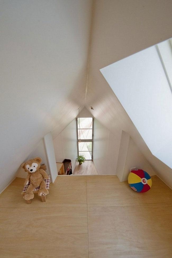 Миниатюрный и узкий дом в Японии