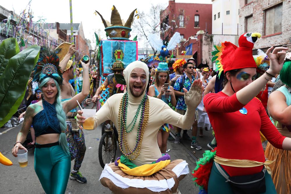 eezhegodnoj-karnaval-mardi-gra-v-novom-o