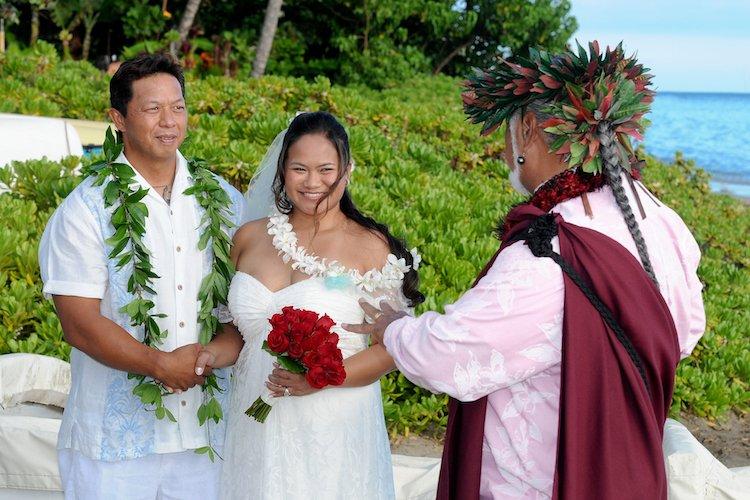 tradicionnye-svadebnye-naryady-so-vsego-mira-11 Традиционные свадебные наряды со всего мира. ФОТО