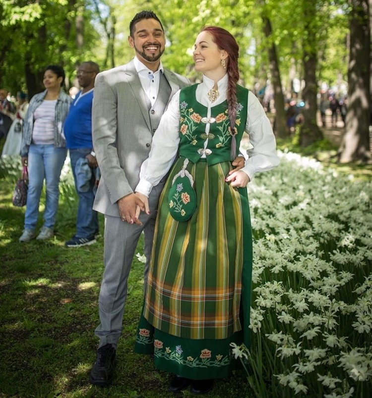 tradicionnye-svadebnye-naryady-so-vsego-mira-17 Традиционные свадебные наряды со всего мира. ФОТО