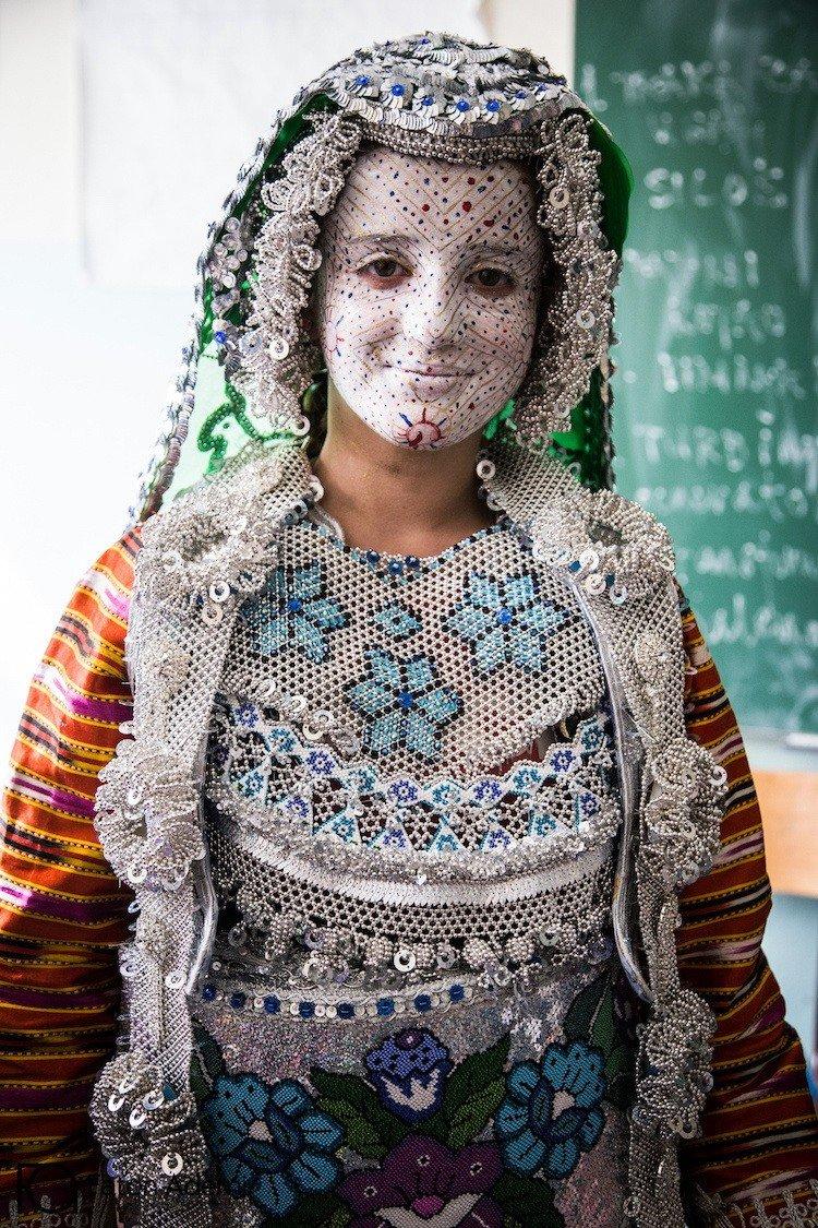 tradicionnye-svadebnye-naryady-so-vsego-mira-18 Традиционные свадебные наряды со всего мира. ФОТО