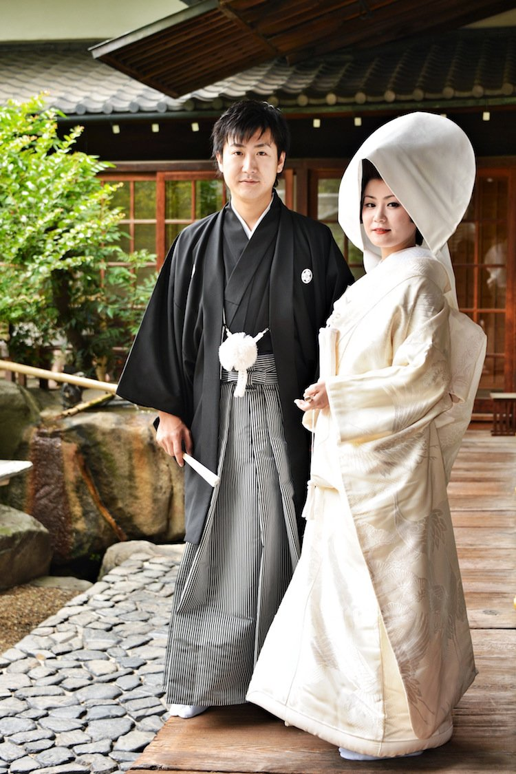 tradicionnye-svadebnye-naryady-so-vsego-mira-2 Традиционные свадебные наряды со всего мира. ФОТО