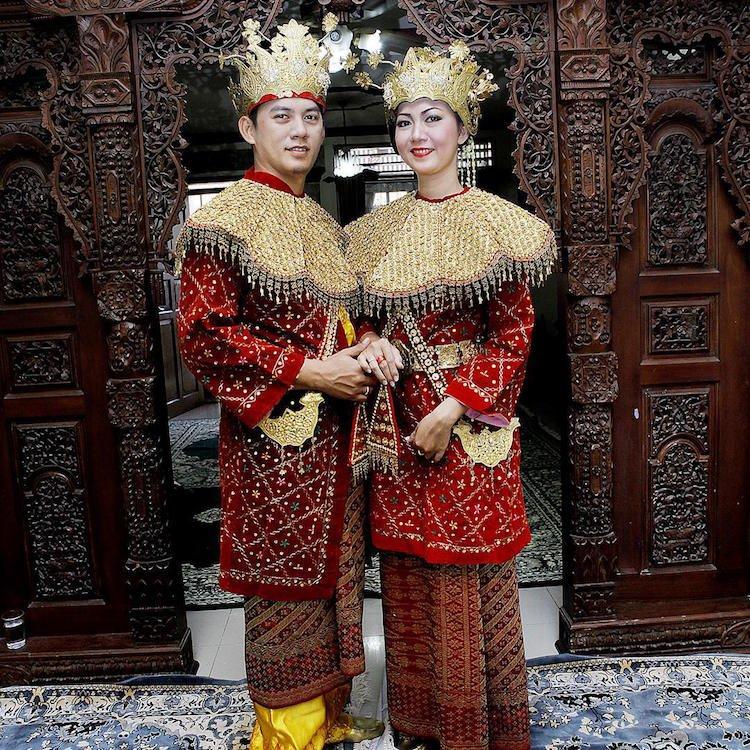 tradicionnye-svadebnye-naryady-so-vsego-mira-4 Традиционные свадебные наряды со всего мира. ФОТО