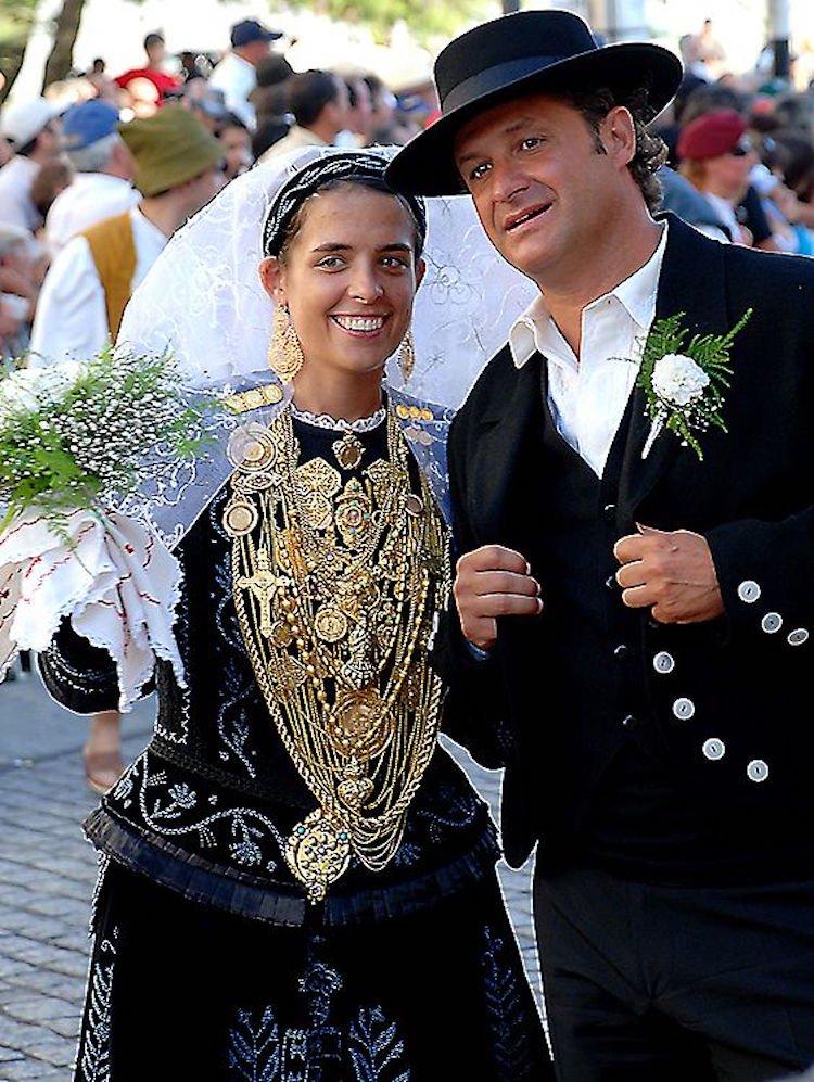 tradicionnye-svadebnye-naryady-so-vsego-mira-7 Традиционные свадебные наряды со всего мира. ФОТО