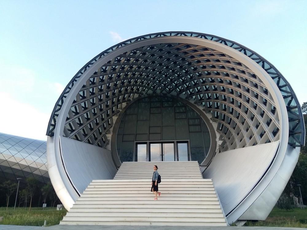 Новый Музыкальный театр и Выставочный зал в Тбилиси