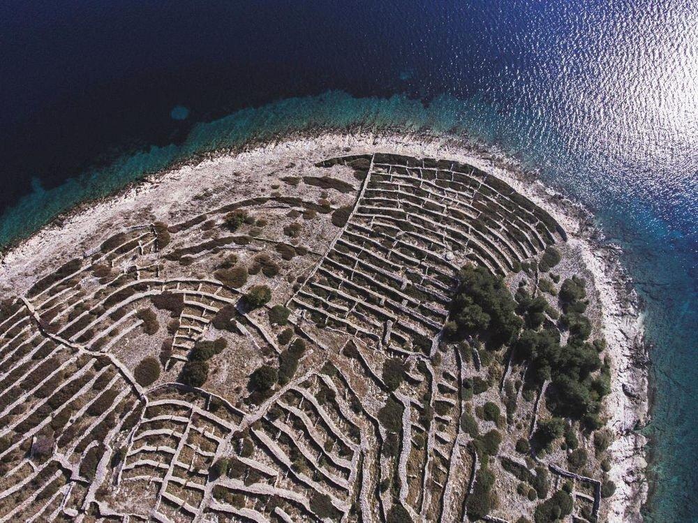 Остров в Хорватии, который похож на отпечаток пальца