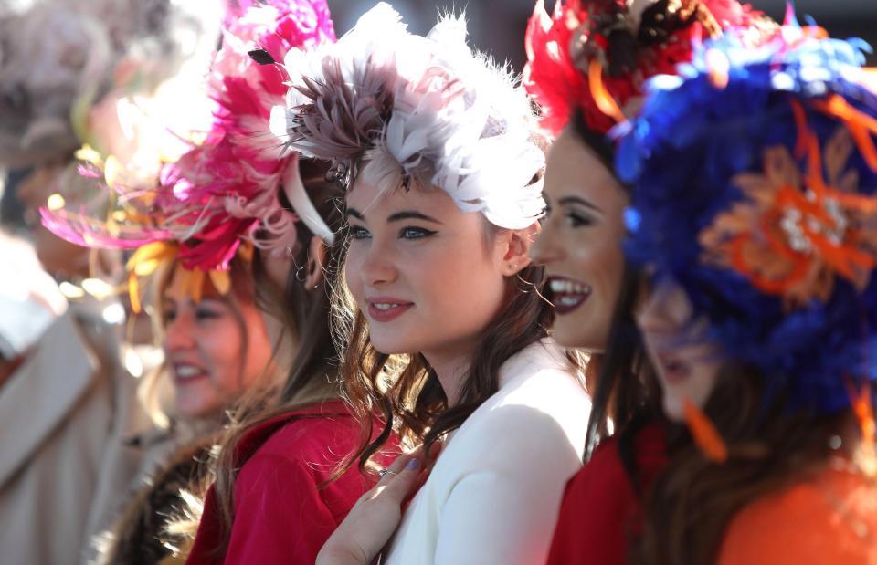 Женский день на скачках в Челтенеме