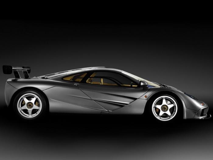 Редкий гоночный McLaren F1 для дорог общего пользования