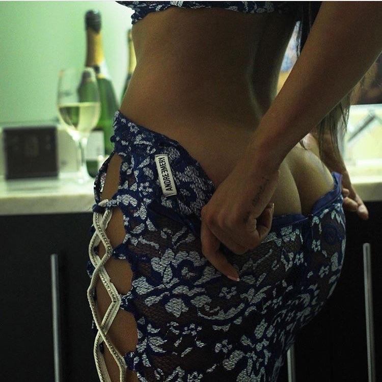 Вид сзади девушки прическа