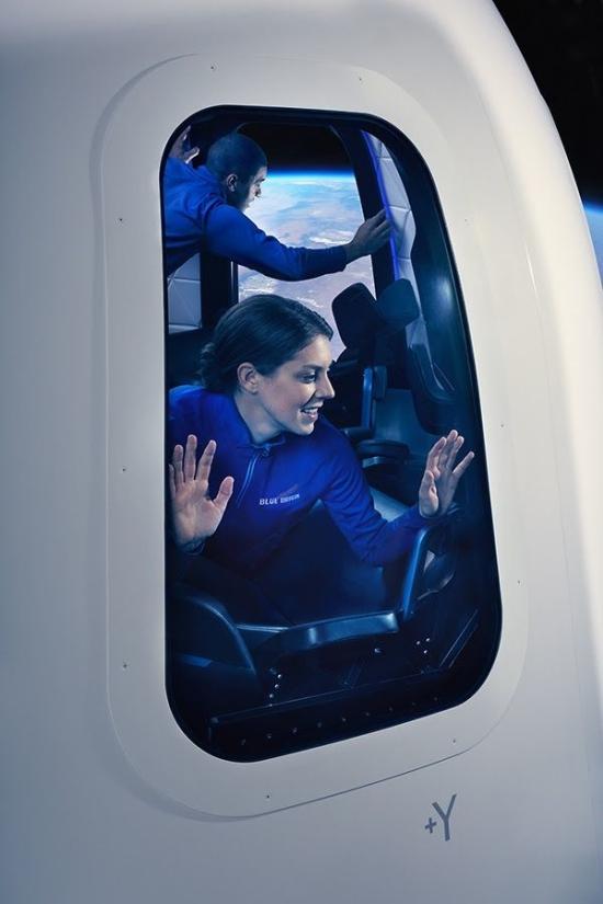 Интерьер капсулы New Shepard космических туристов