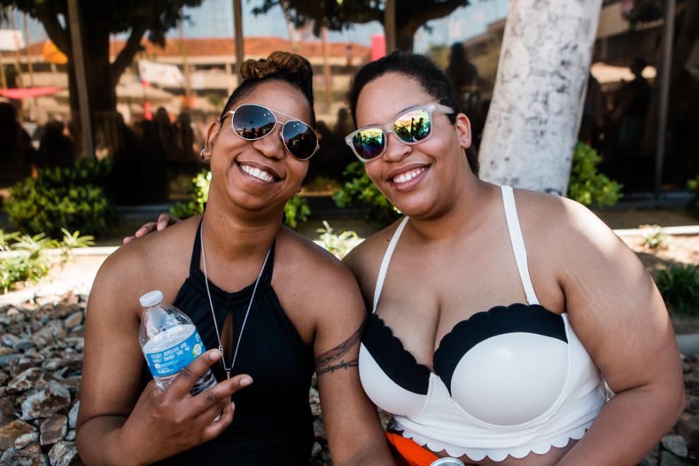 На вечеринке лесбиянок в Палм-Спрингс