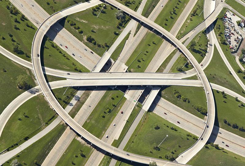 Увлекательные снимки дорожных развязок
