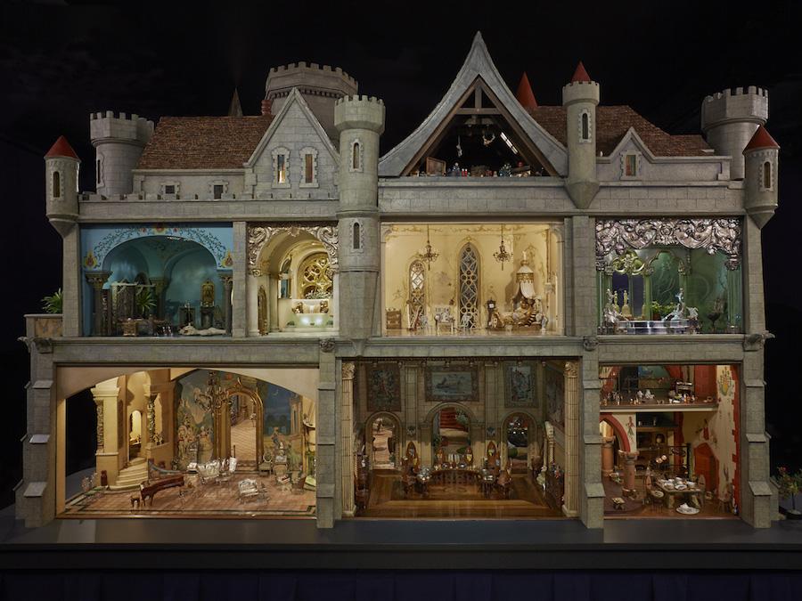 Кукольный домик, который стоит дороже реального жилья
