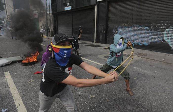 Массовые протесты и беспорядки в Венесуэле