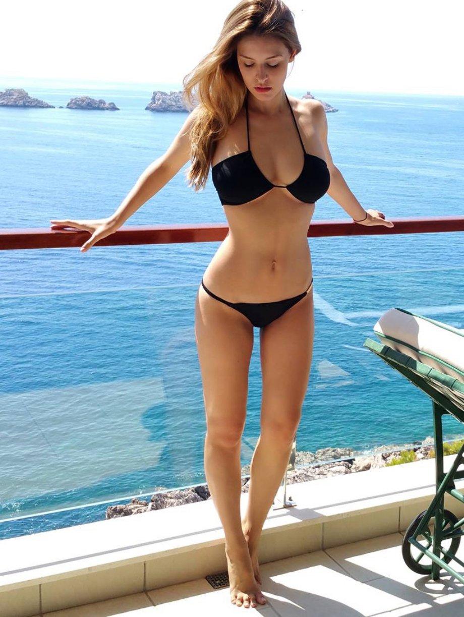 Красивые голые девушки  лучшие эротические фотографии