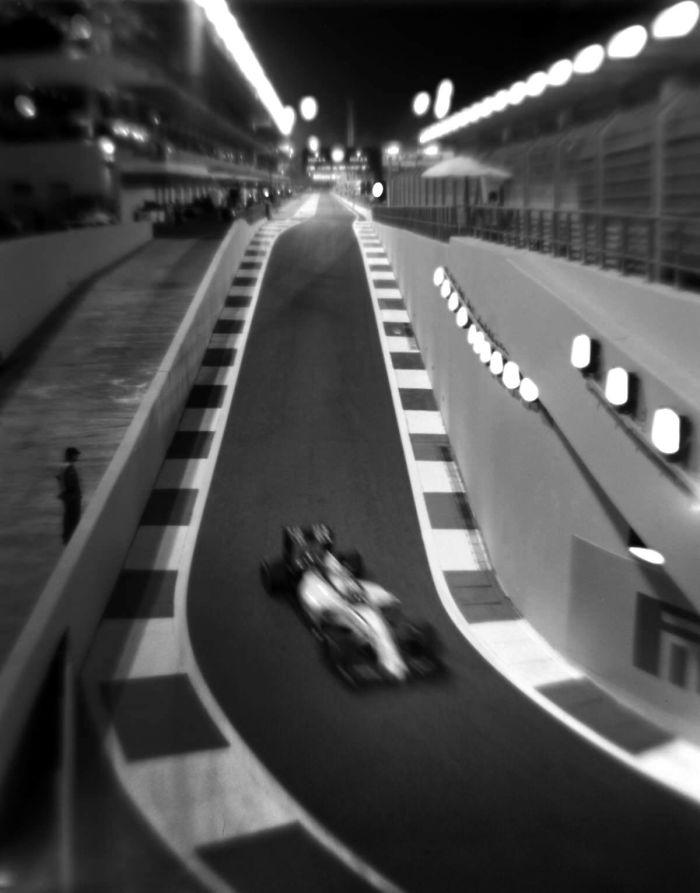 Снимки Формулы-1 на фотокамеру, выпущенную в 1913 году