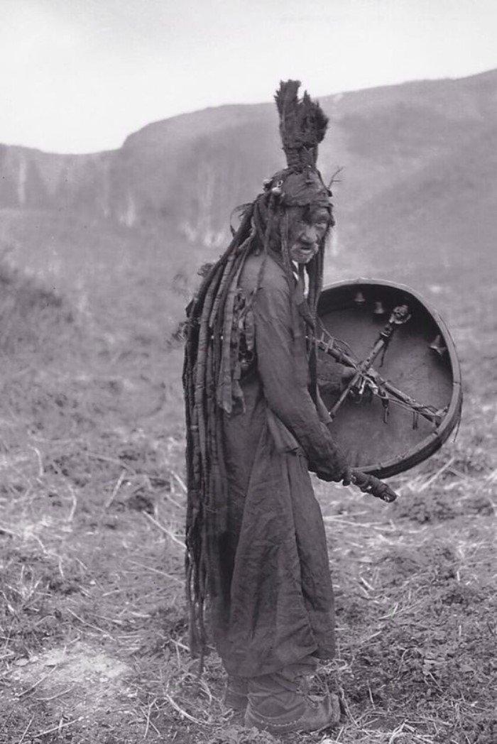 Поразительные атрибуты шаманов разных культур
