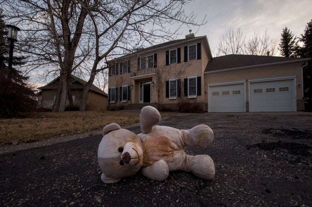 Особняки в Канаде за миллионы долларов стоят заброшенными