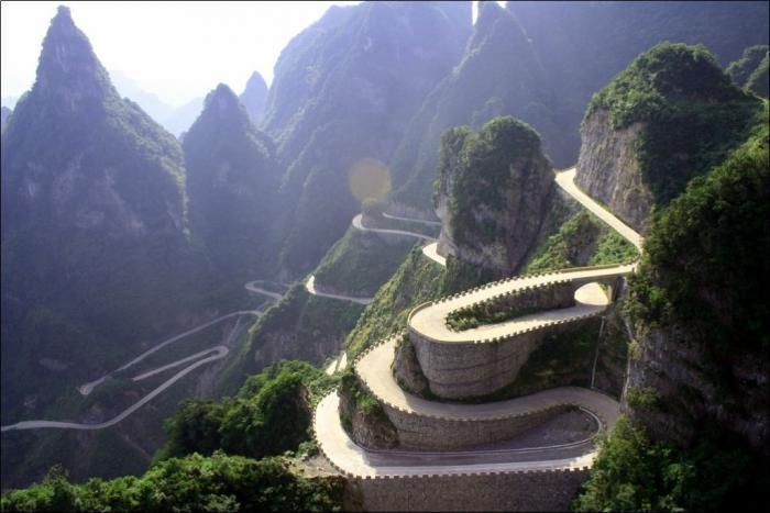 Дорога в небеса на горе Тяньмэнь