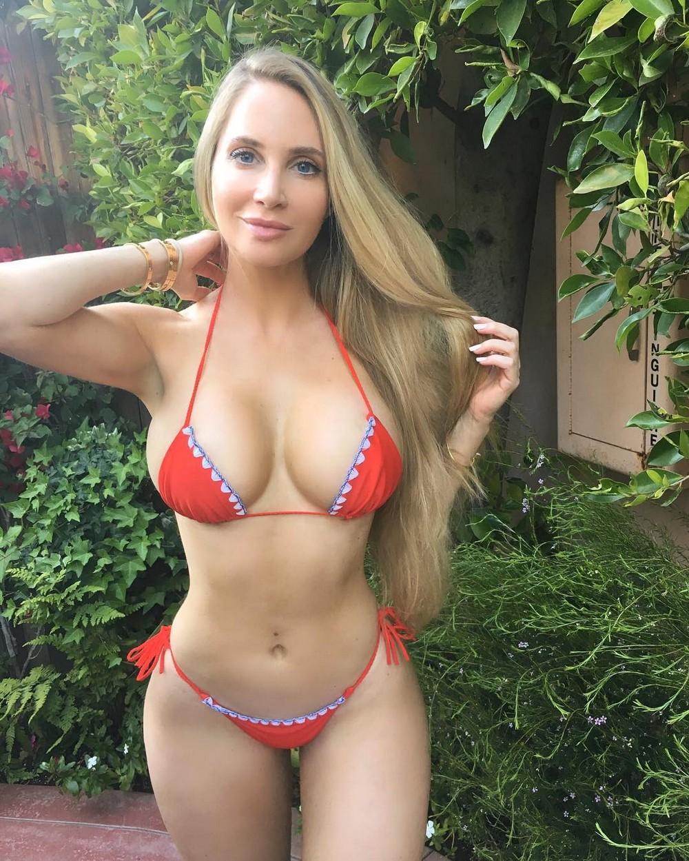 Видео голая женщина с шикарной фигурой 92