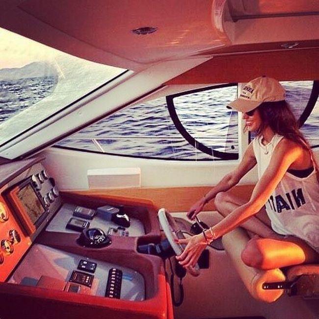 Золотая молодежь Швейцарии в Instagram