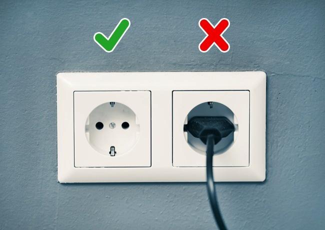 5 приборов, которые сжигают электричество даже в выключенном режиме