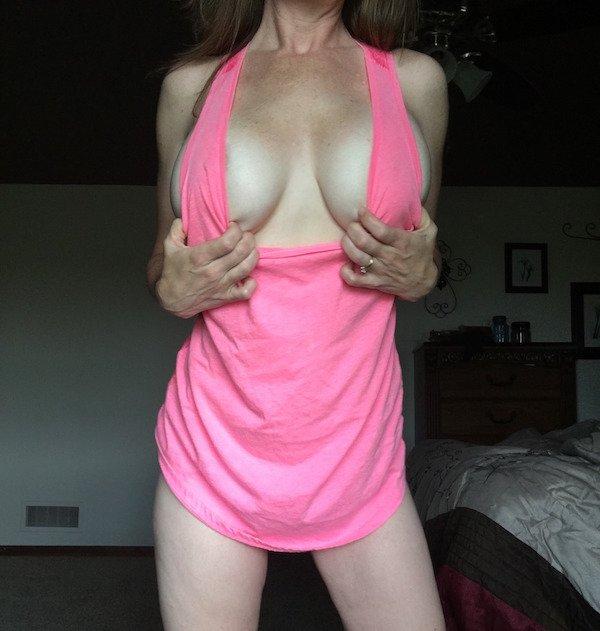 Сексуальные девушки без бюстгальтеров