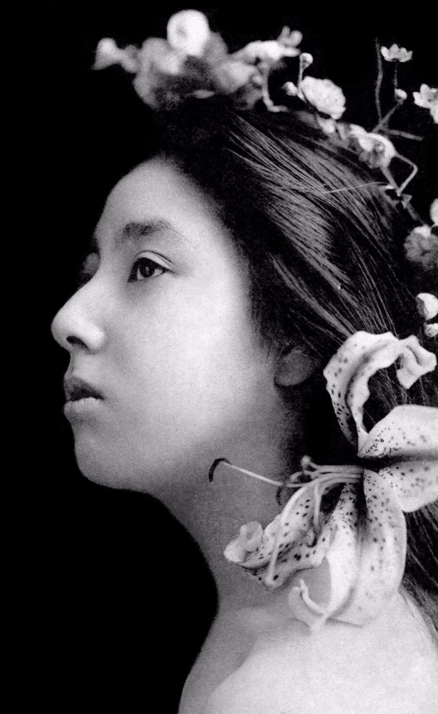 Молодые гейши в студийных портретах 1900-х годов