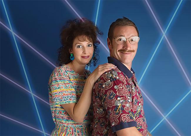 Пара снялась в дурацкой фотосессии в стиле 80-х