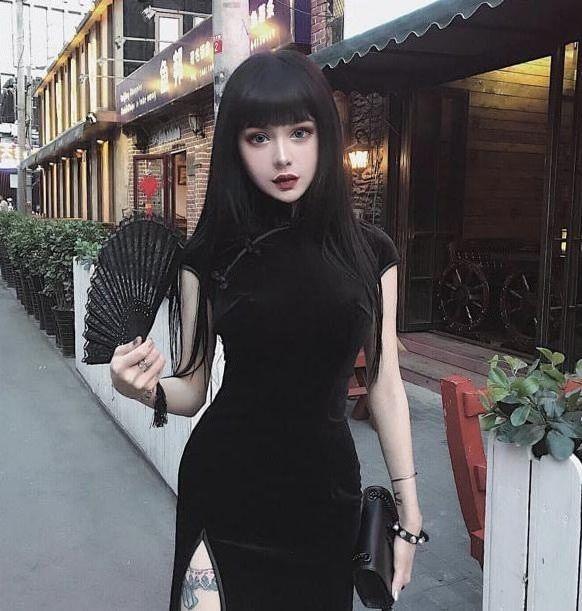 Кина Шен и ее кукольно-готический образ