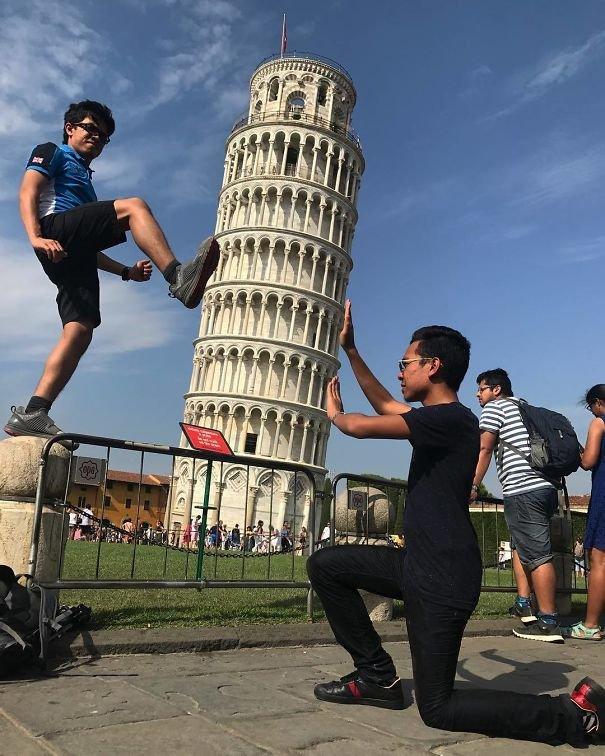 Забавные фотографии туристов на фоне Пизанской башни