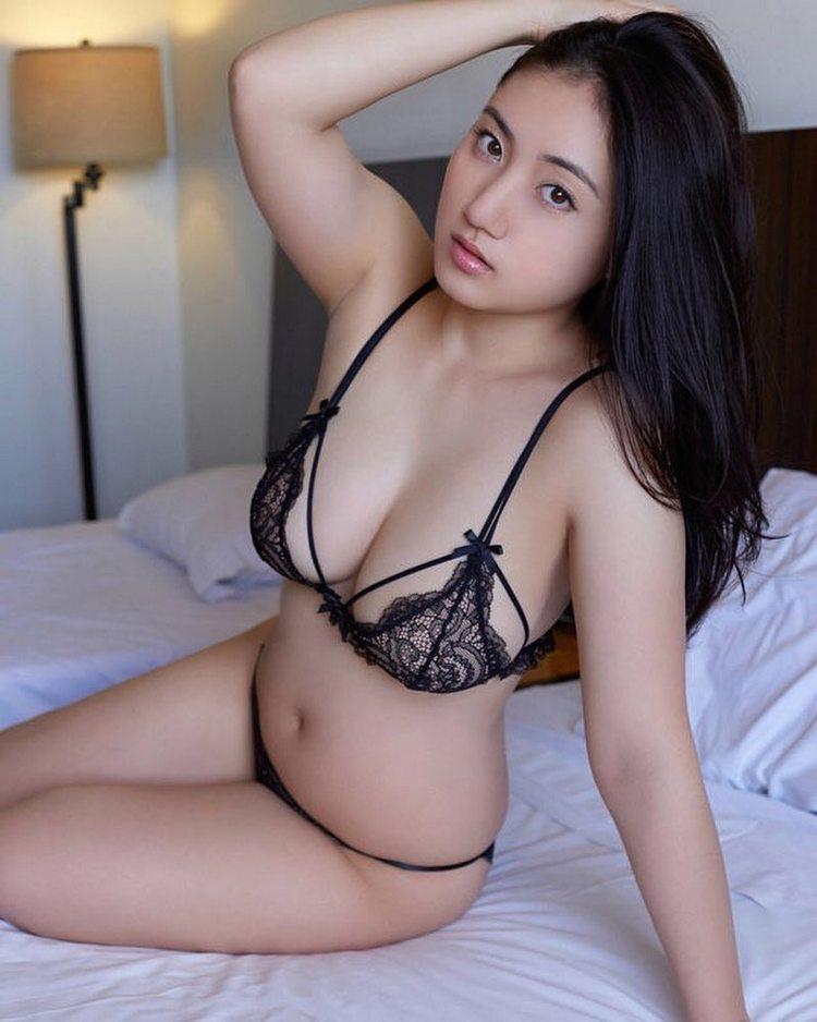 Порно и секс фото девушек и женщин в нижнем белье