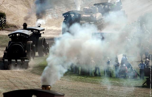 Видео: Трактора Выставка