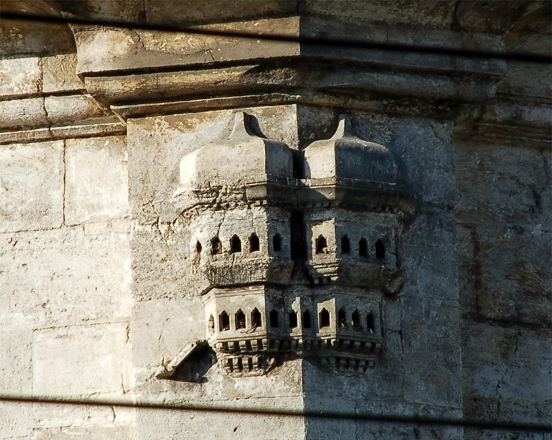 Роскошные домики для птиц в зданиях времен Османской империи