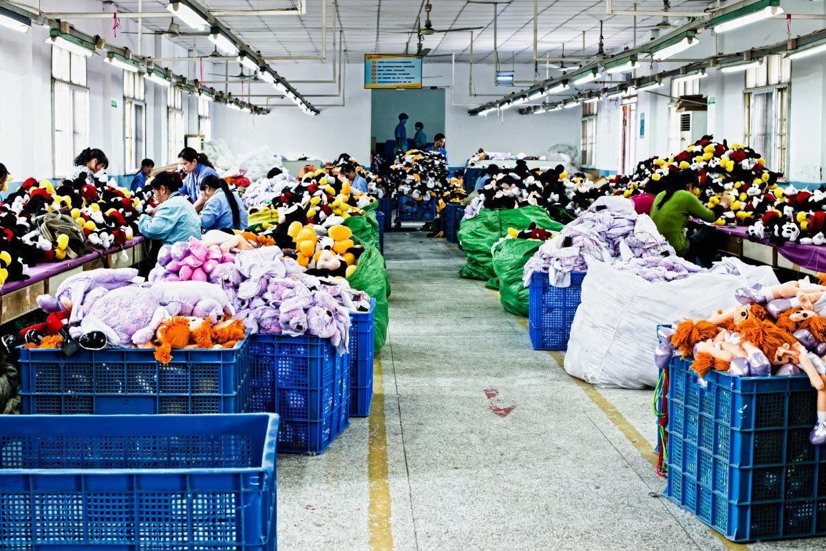 Экскурсия на китайскую фабрику игрушек