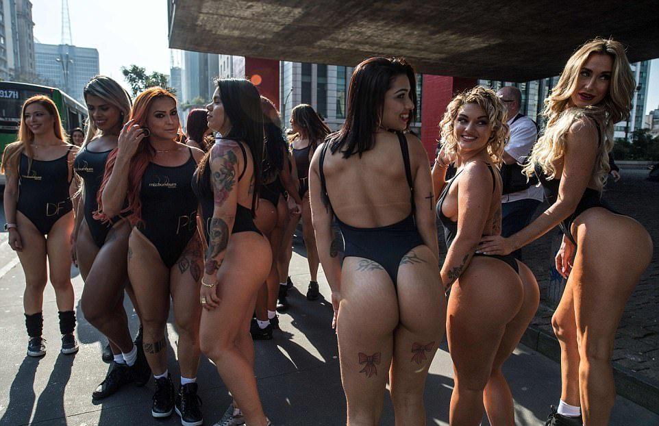 Фото девушек на улицах питера