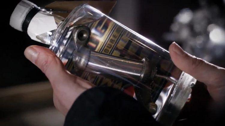 Мужской джин, настоянный на деталях Harley-Davidson