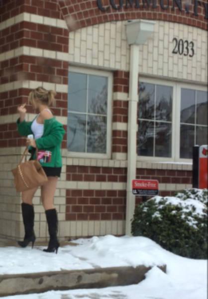 Тропа позора: постыдное возвращение девушек с вечеринок