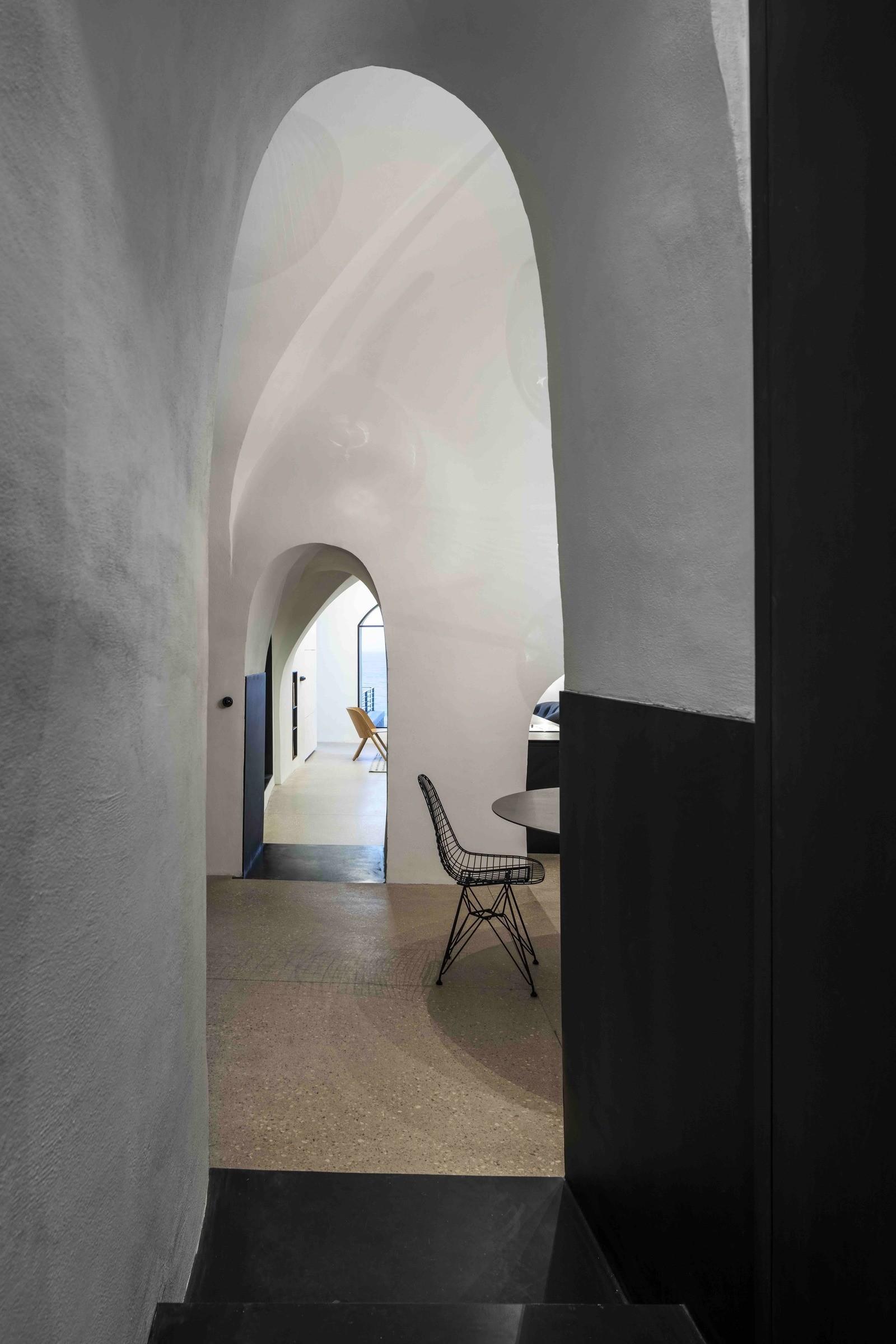 Необычная квартира-пещера в Тель-Авиве
