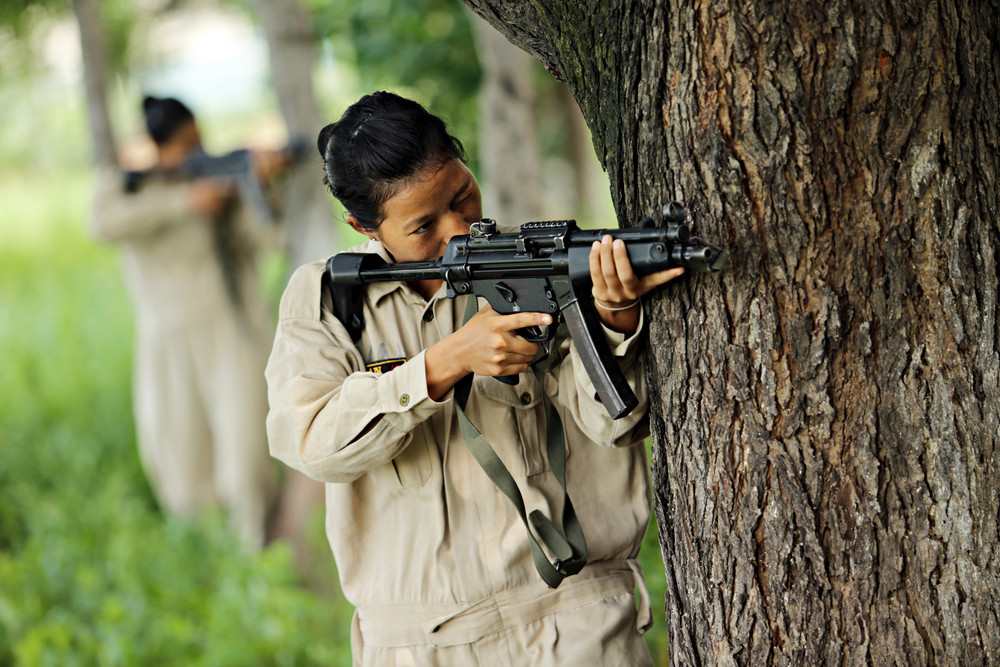 Тренировки женщин для профессиональной полиции в Индии