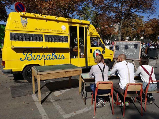 Переделка школьного автобуса в пивную на колесах