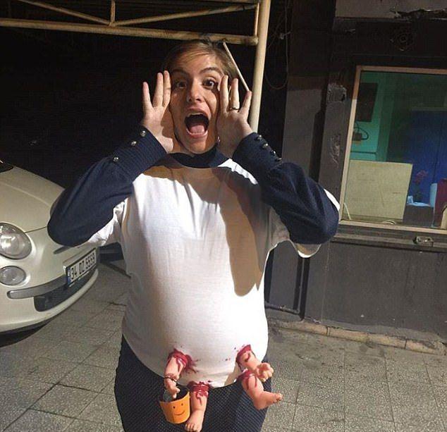 Особенно удачные костюмы беременных к Хэллоуину