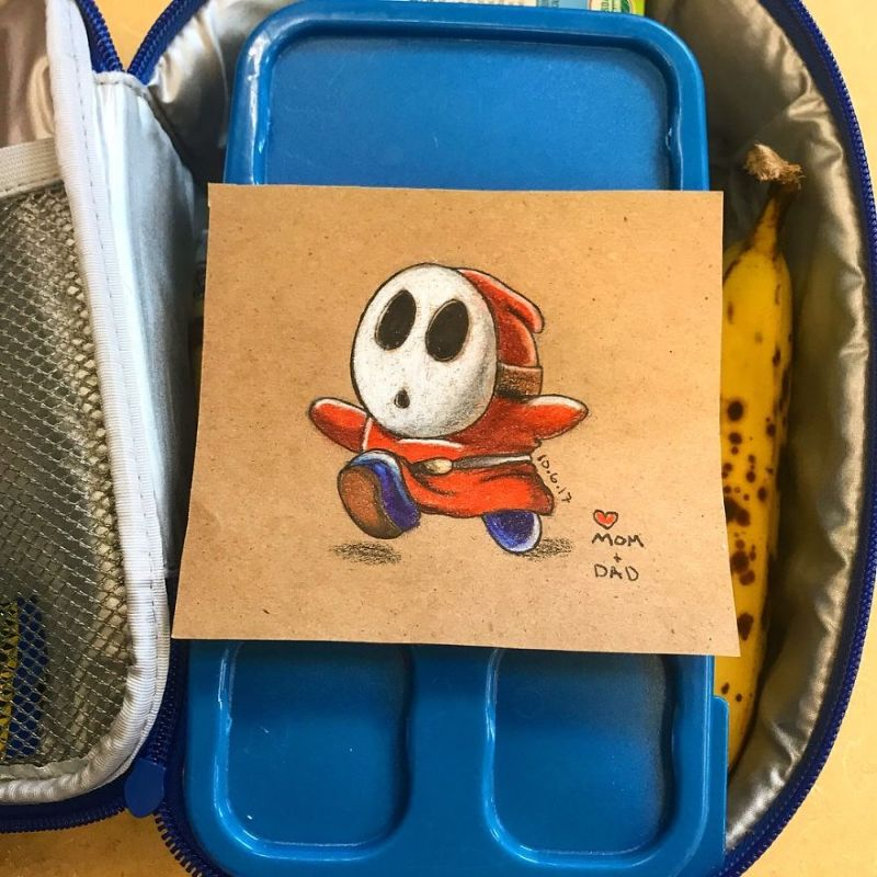 Отец вкладывает в завтраки для сына классные рисунки
