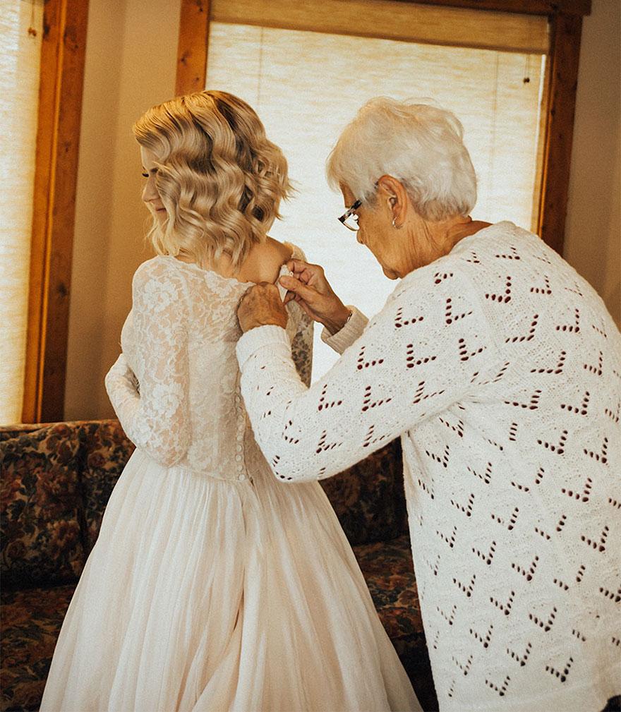 Внучка надела бабушкино платье на свою свадьбу
