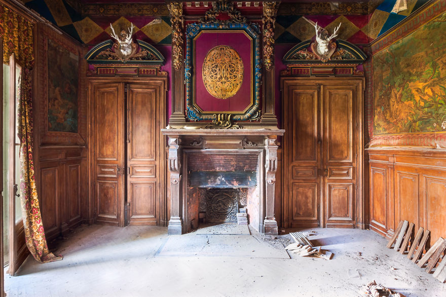 Заброшенные здания Франции невероятной красоты