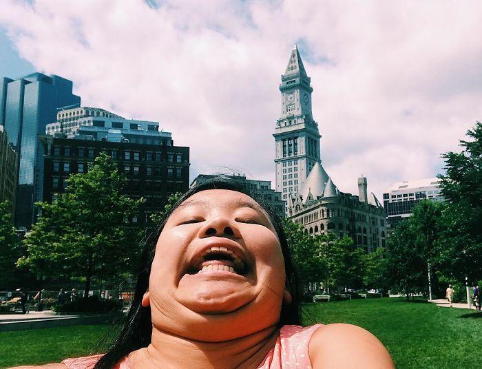 Веселенькие фотографии от путешественницы без комплексов